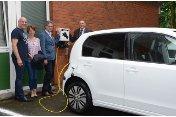 Ab jetzt umweltfreundliches E-Auto im Auftrag des Klinikums im Einsatz